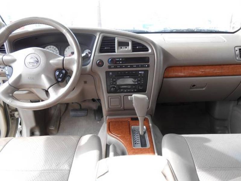2003 Nissan Pathfinder Image 8