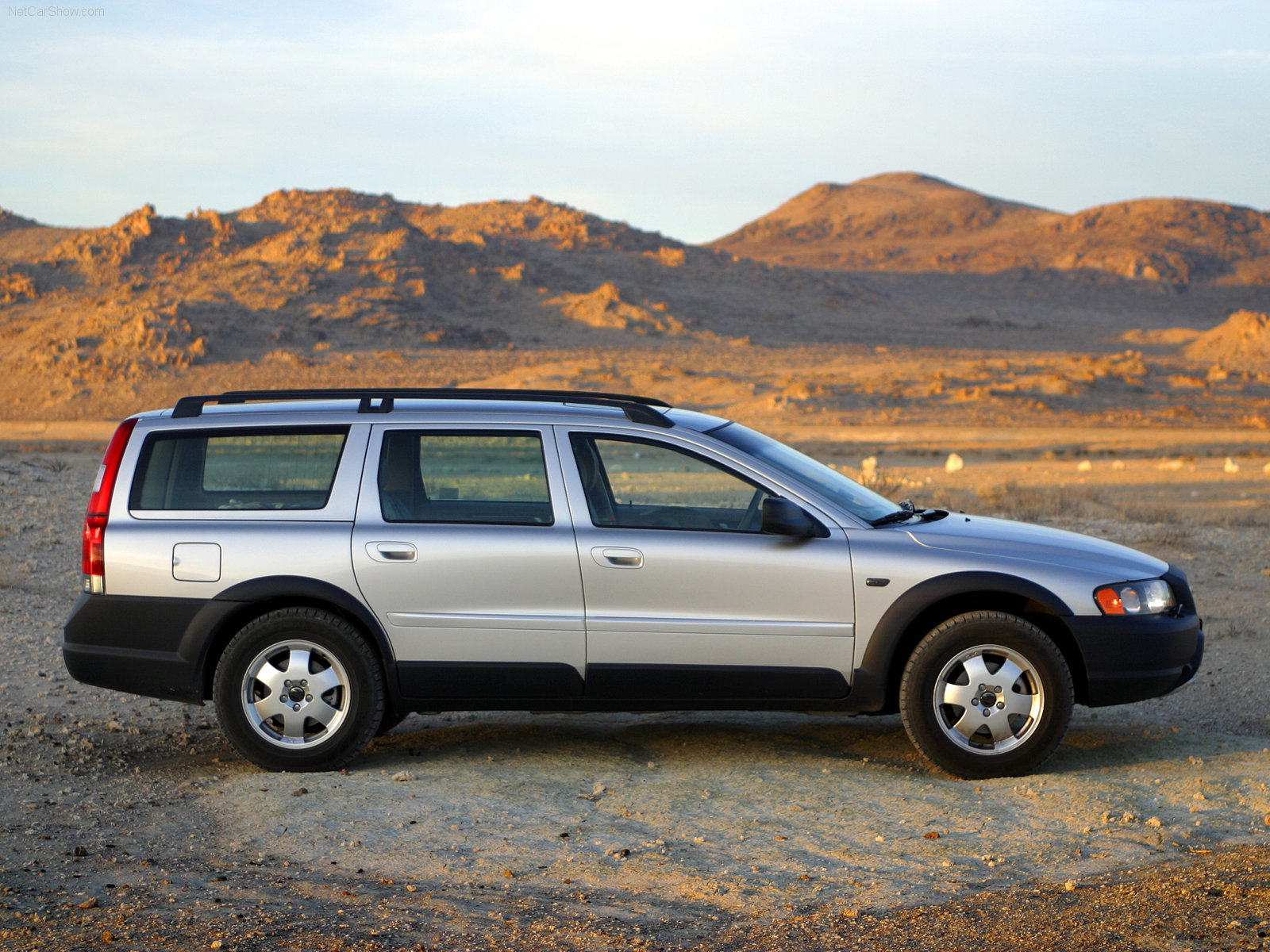 2003 Volvo XC70 - Information and photos - ZombieDrive