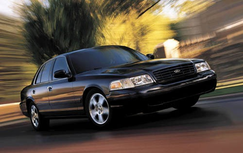 2003 Ford Crown Victoria  exterior #3