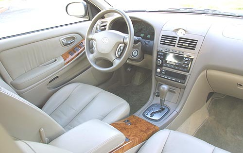 2002 Infiniti I35 Rear In interior #7