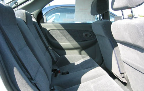 2003 Kia Spectra GSX Rear interior #1