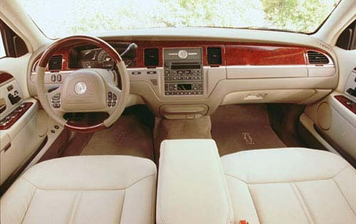 2003 lincoln town car information and photos zombiedrive. Black Bedroom Furniture Sets. Home Design Ideas