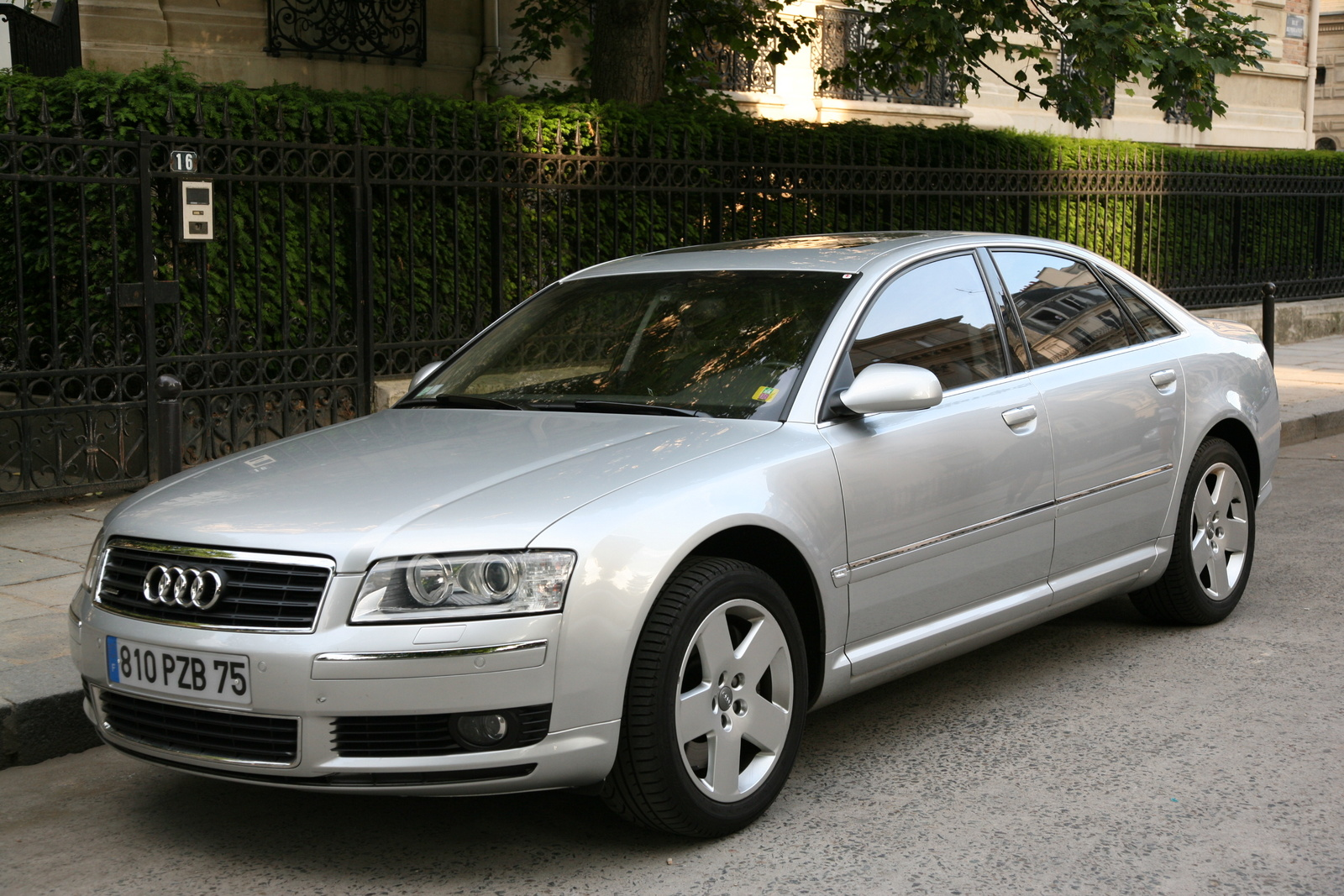 2004 Audi A8 Information And Photos Zombiedrive Fuse Box 17