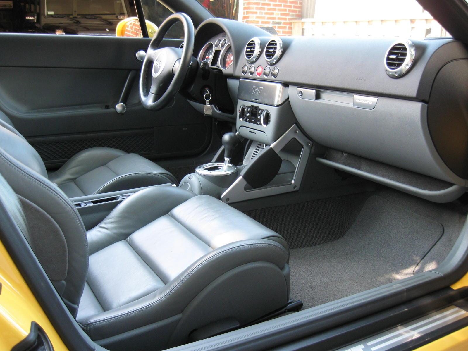 2004 Audi Tt Image 8