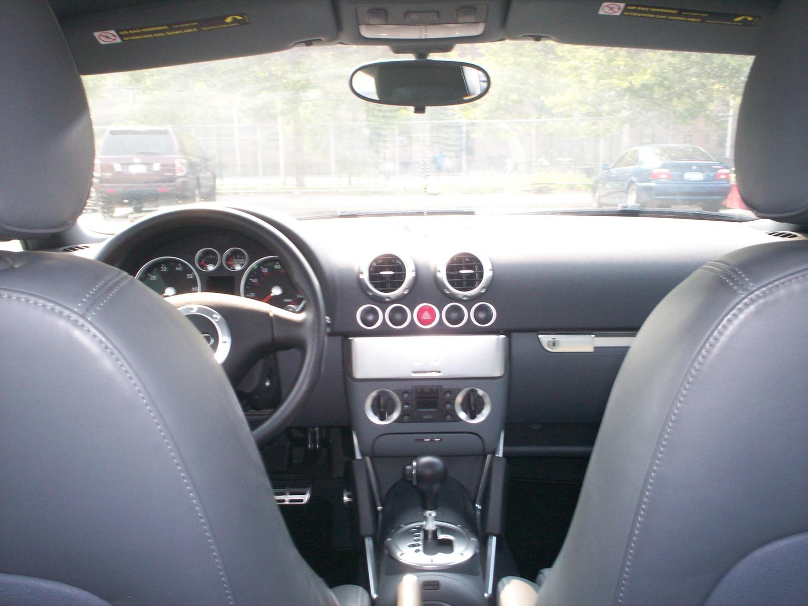 2004 Audi Tt Image 6