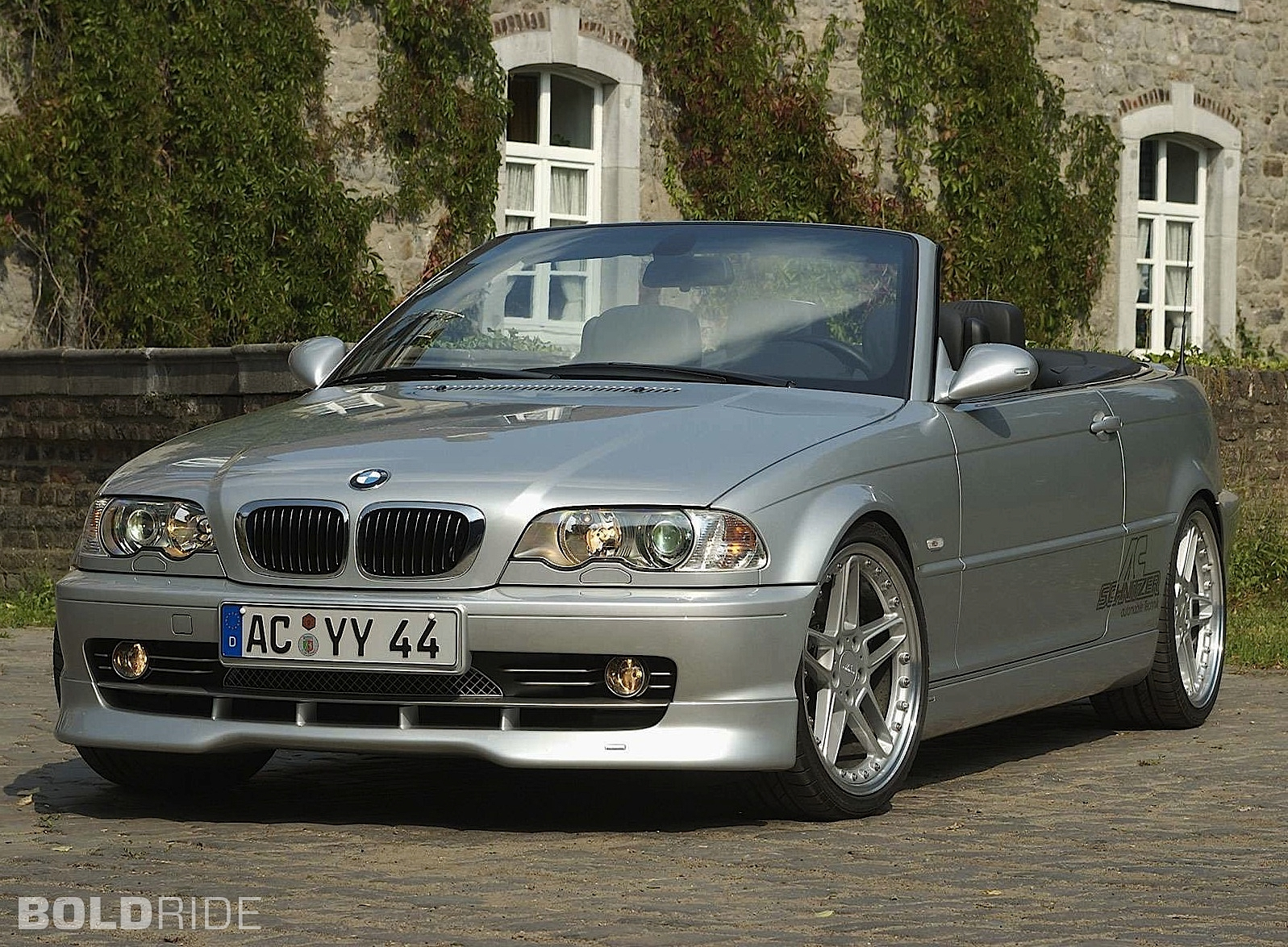 2004 BMW 3 Series  Information and photos  ZombieDrive