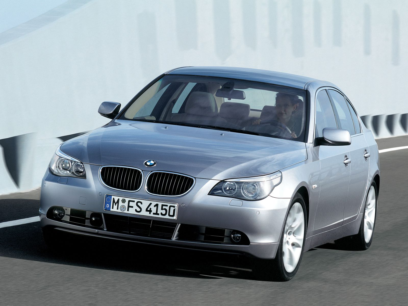 2004 Bmw 5 Series Information And Photos Zombiedrive
