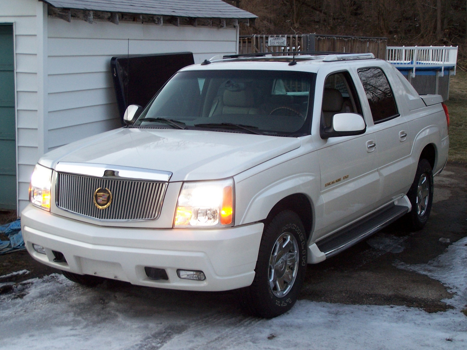 bbdb escalade wheeling il cars lot copart cadillac sale e for at