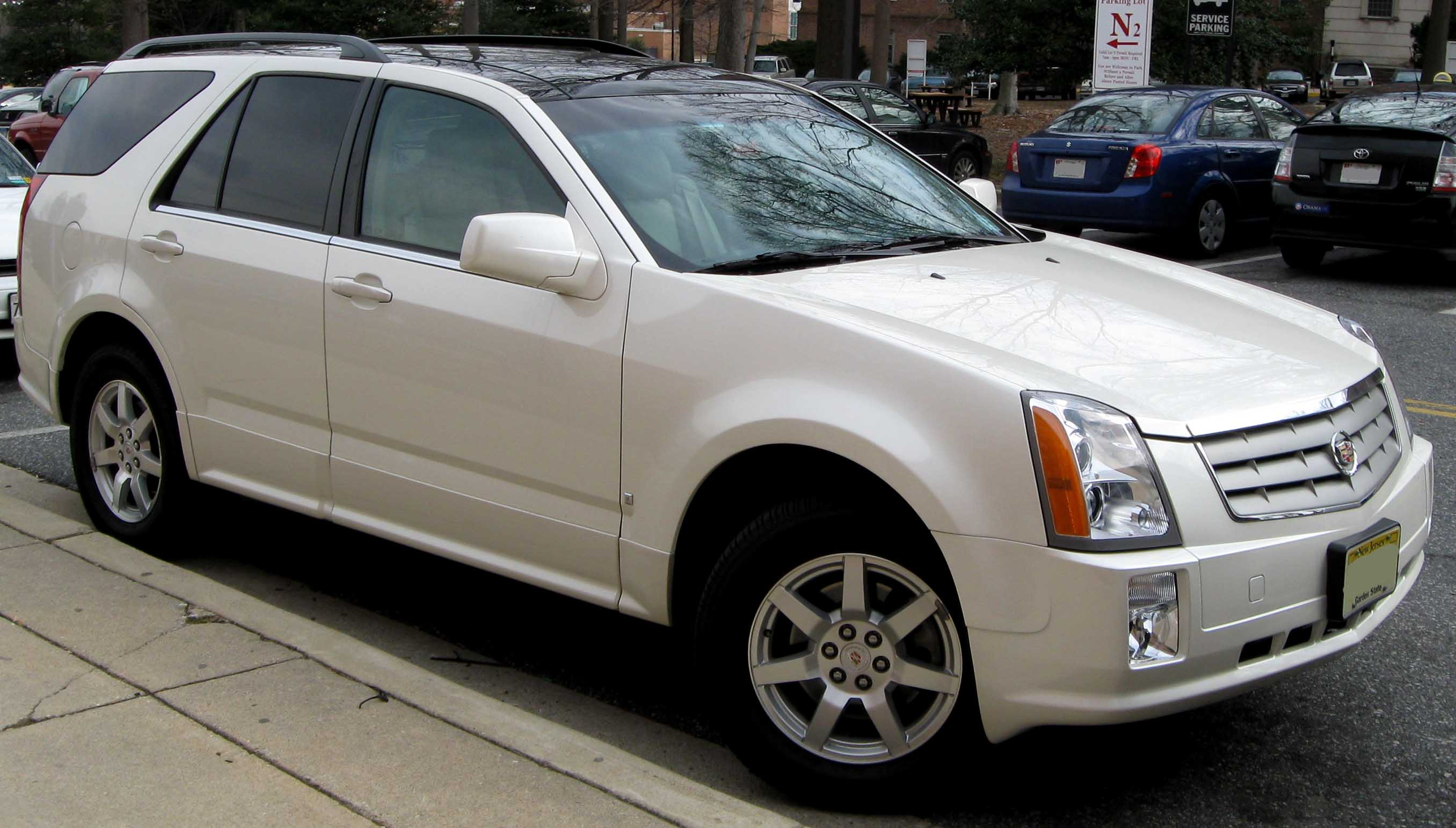 2004 cadillac srx information and photos zombiedrive. Black Bedroom Furniture Sets. Home Design Ideas