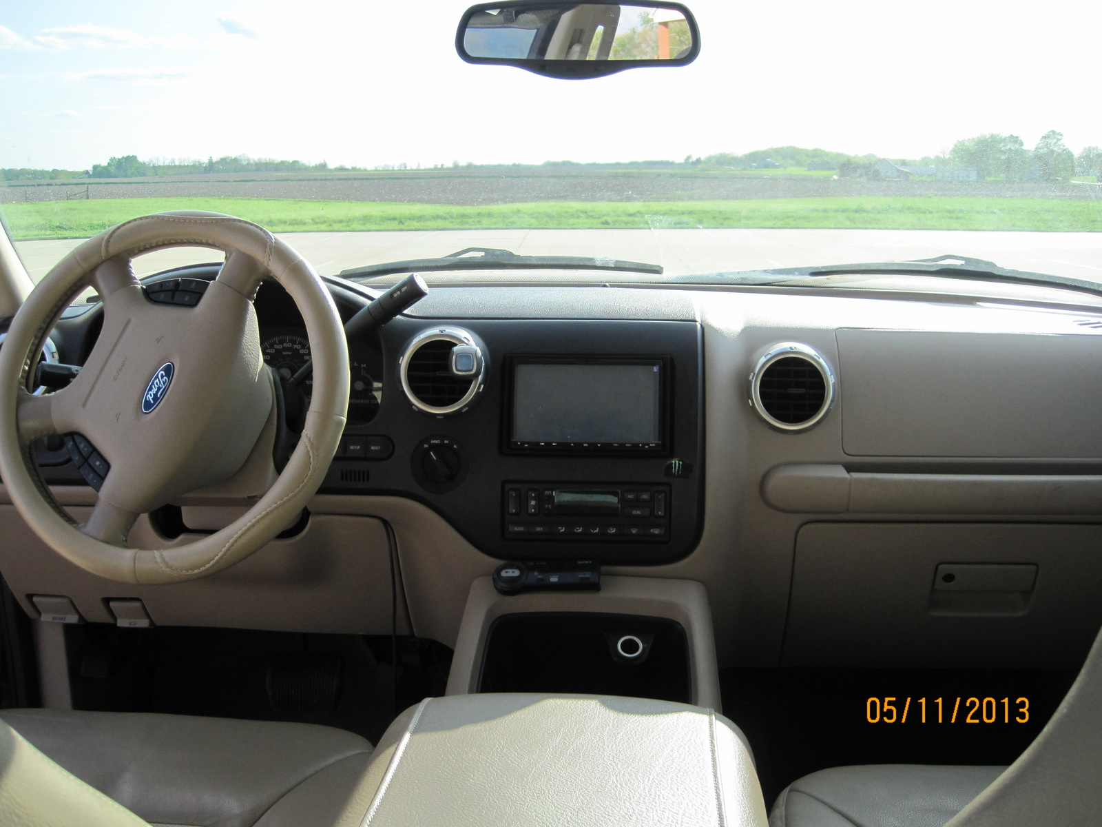2004 ford expedition image 7