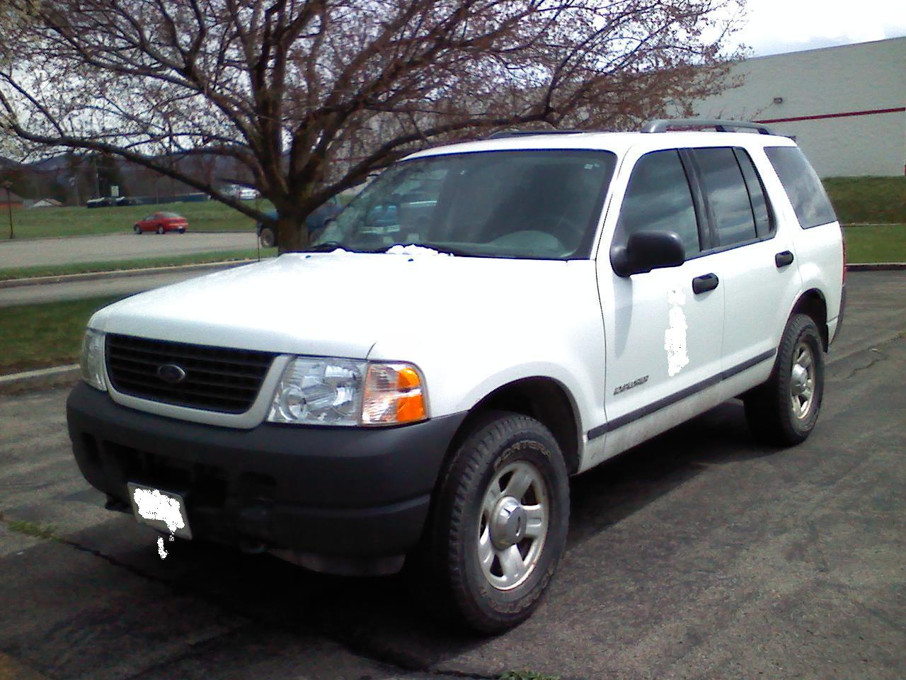 2004 ford explorer image 10