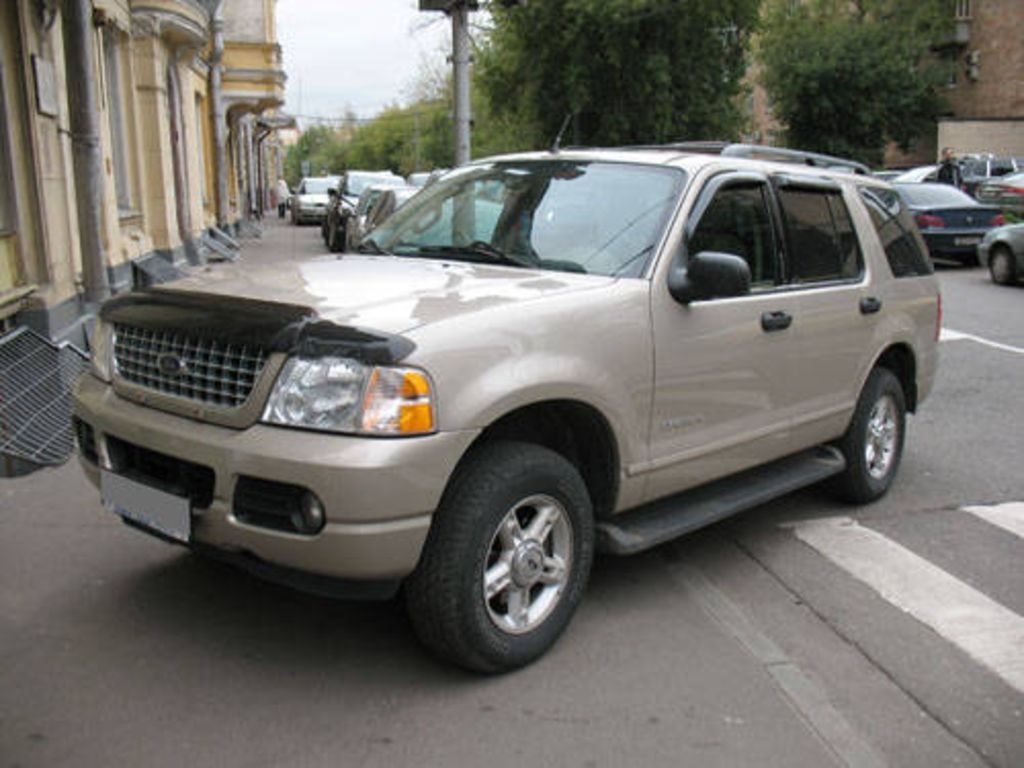 2004 ford explorer image 3
