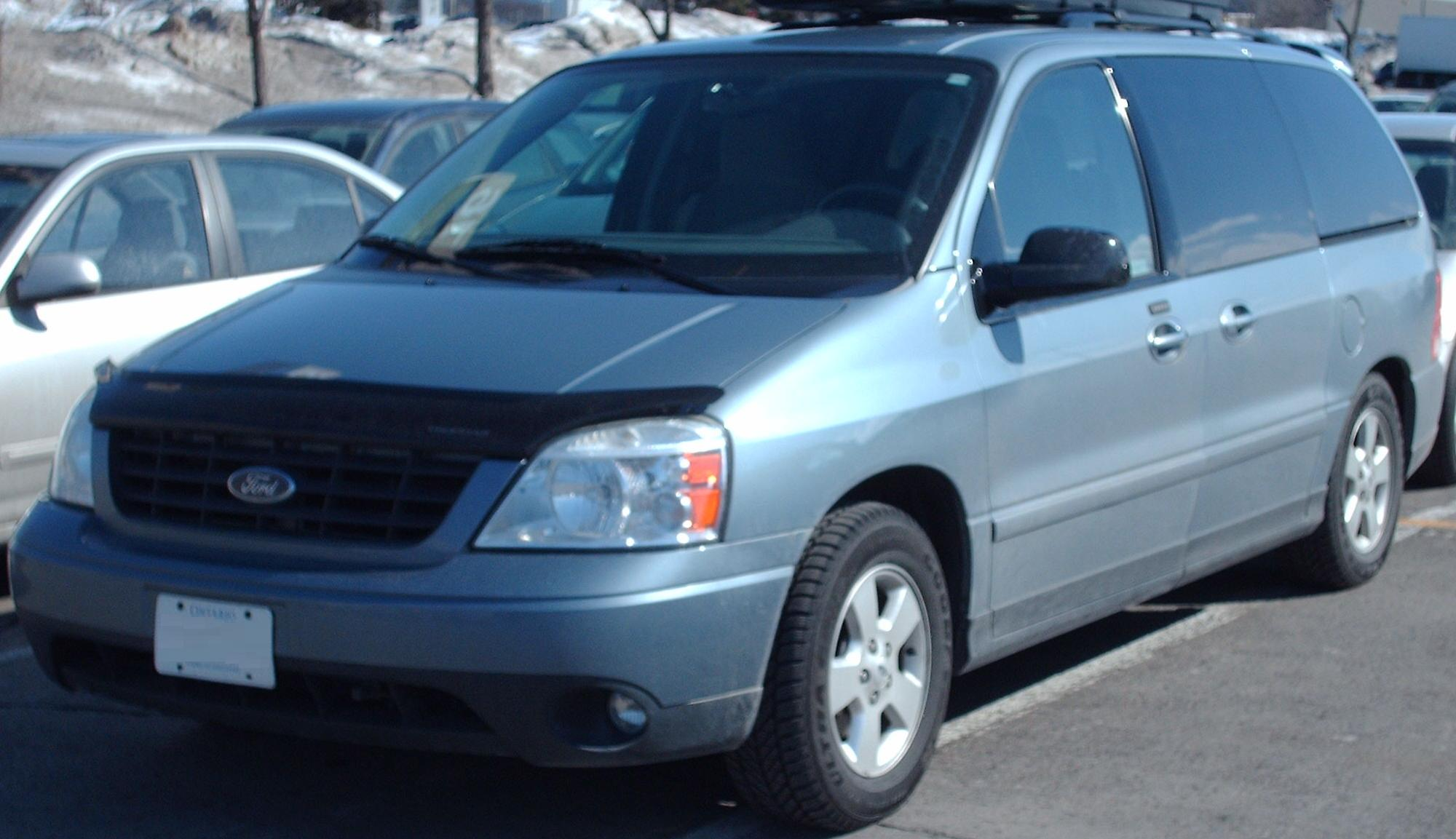 2004 ford freestar image 2