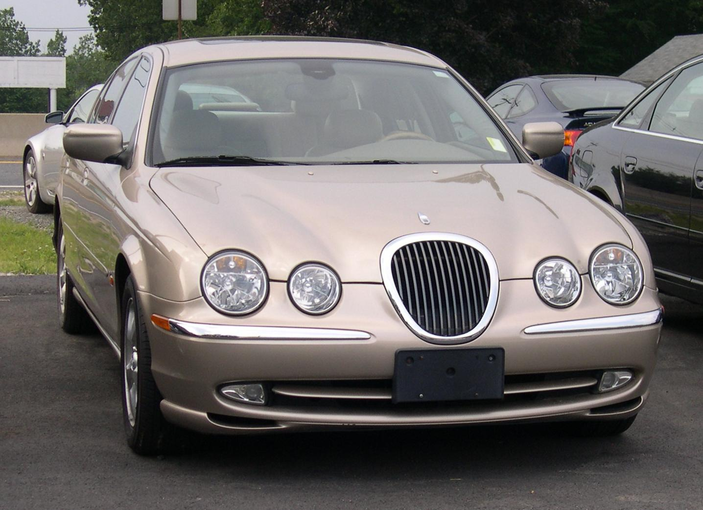 Jaguar S-Type #25