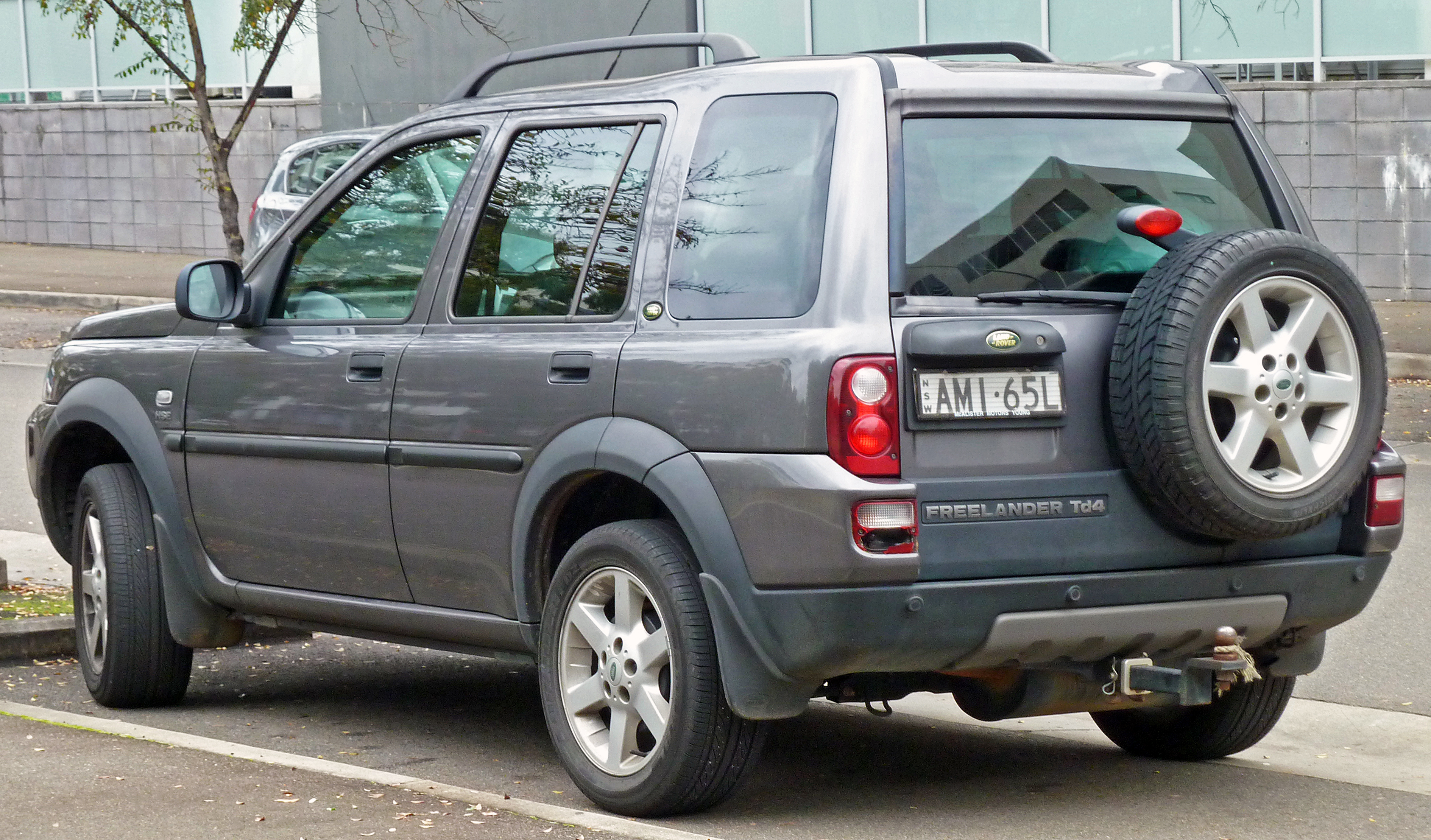 2004 land rover freelander information and photos zombiedrive. Black Bedroom Furniture Sets. Home Design Ideas