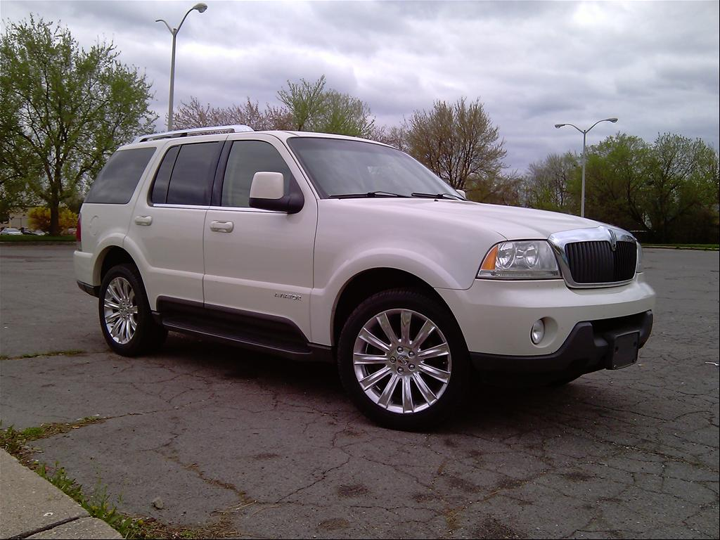2004 Lincoln Aviator Information And Photos Zombiedrive