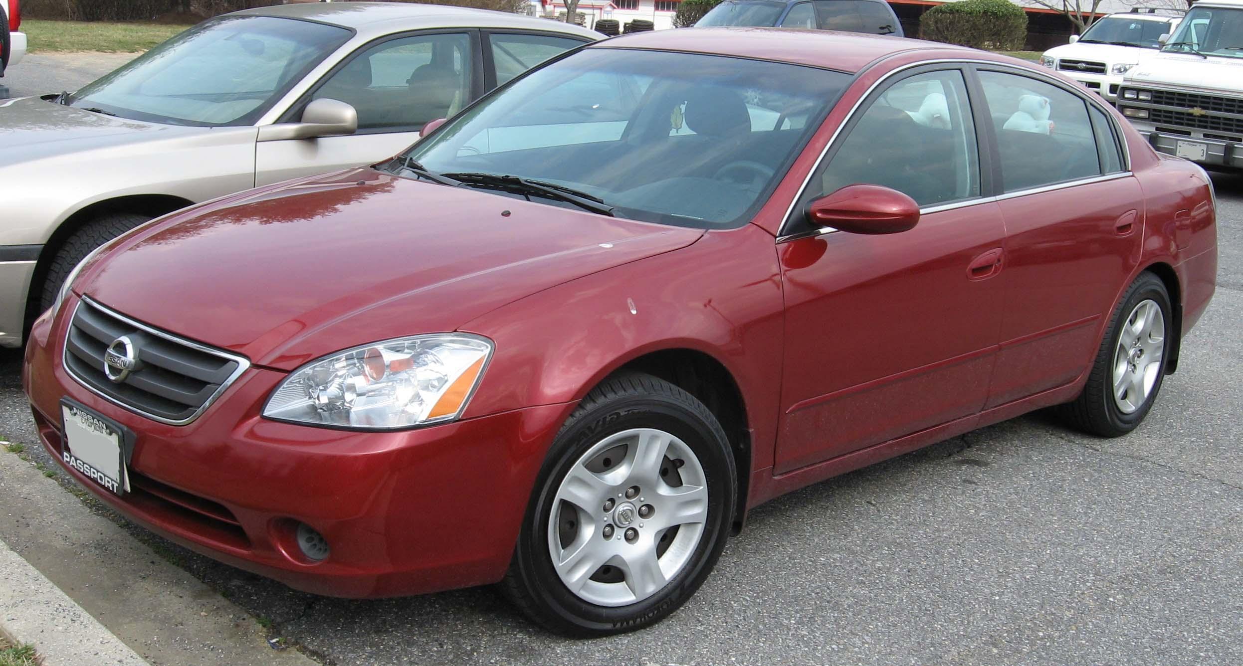 2004 Nissan Altima 10