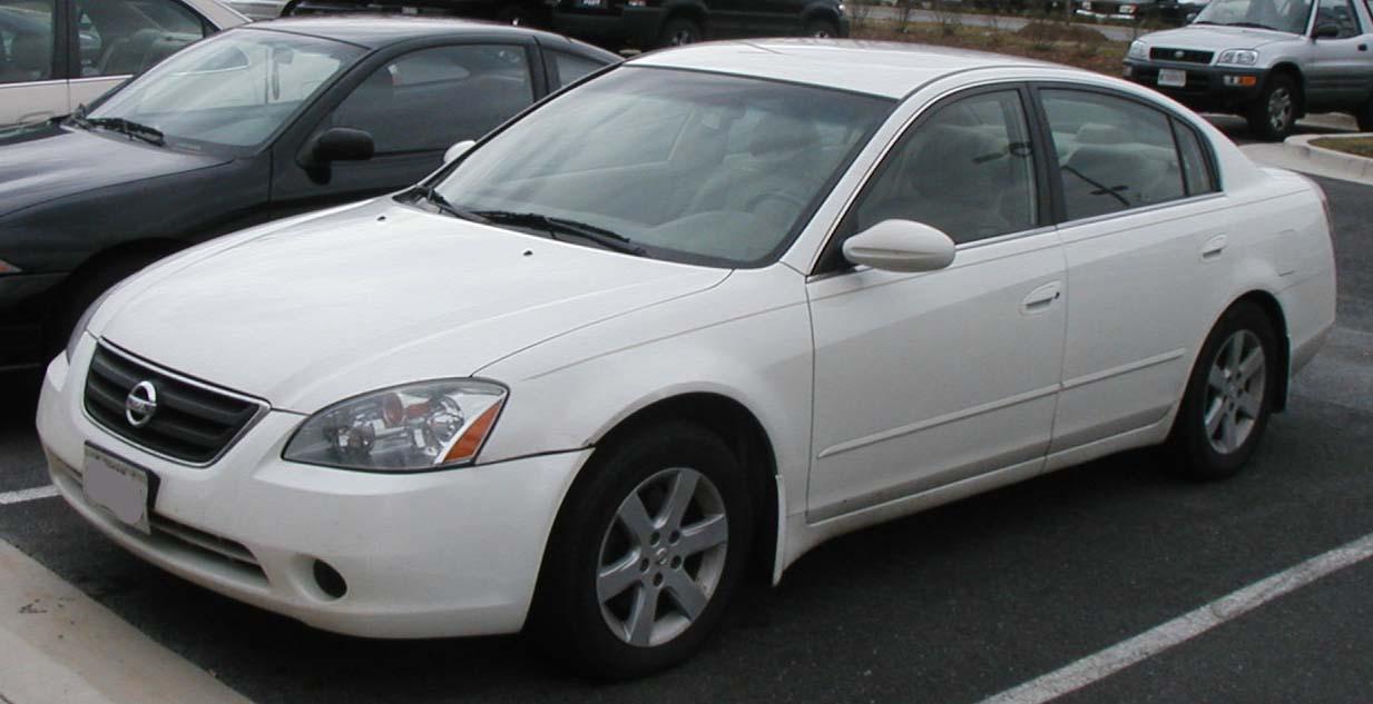 2004 Nissan Altima Image 11