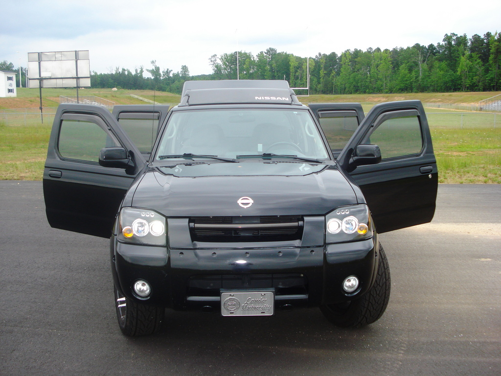 2004 Nissan Frontier - Information and photos - ZombieDrive
