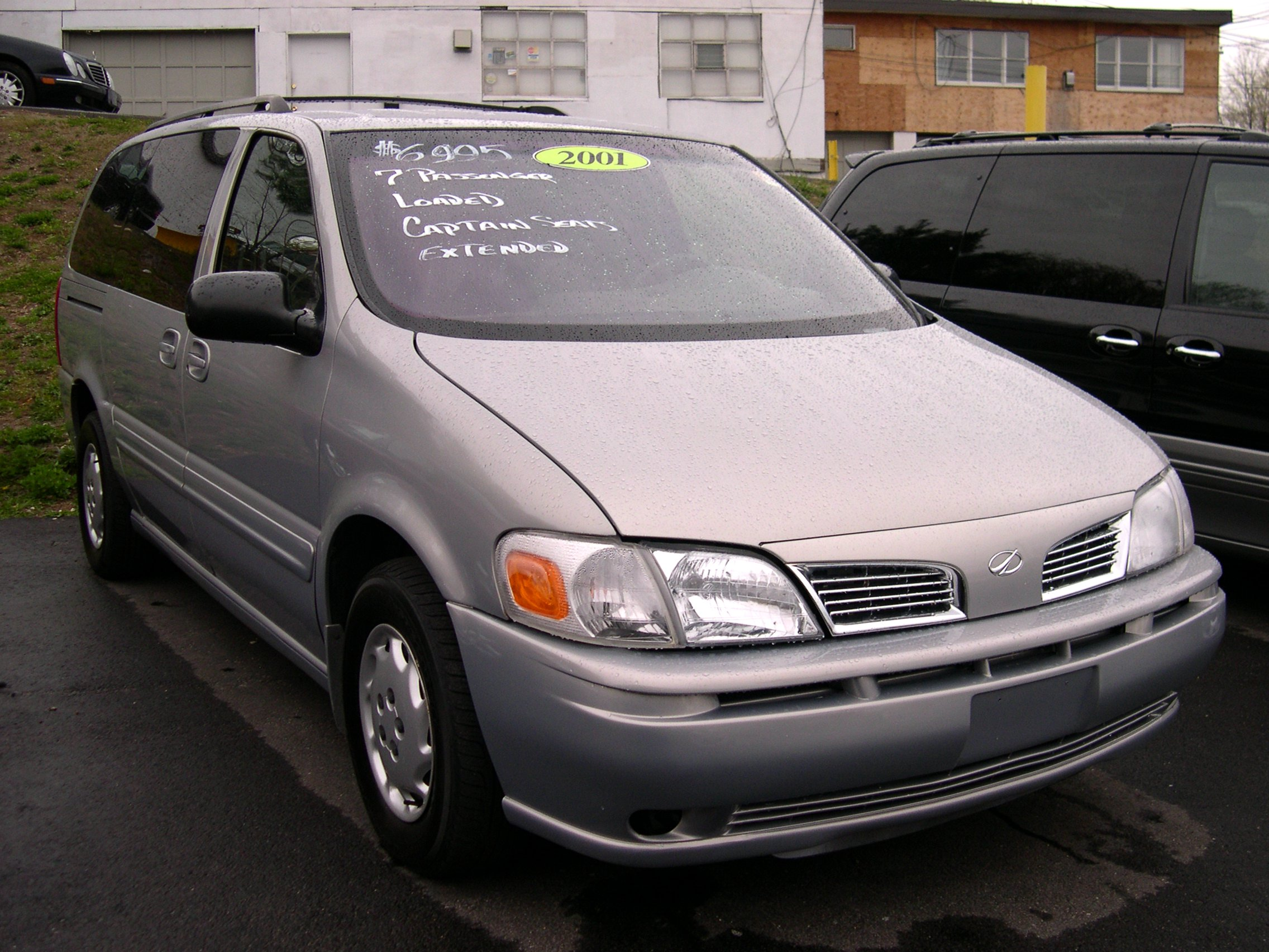 2004 Oldsmobile Silhouette Gray | 200  Interior and Exterior Images