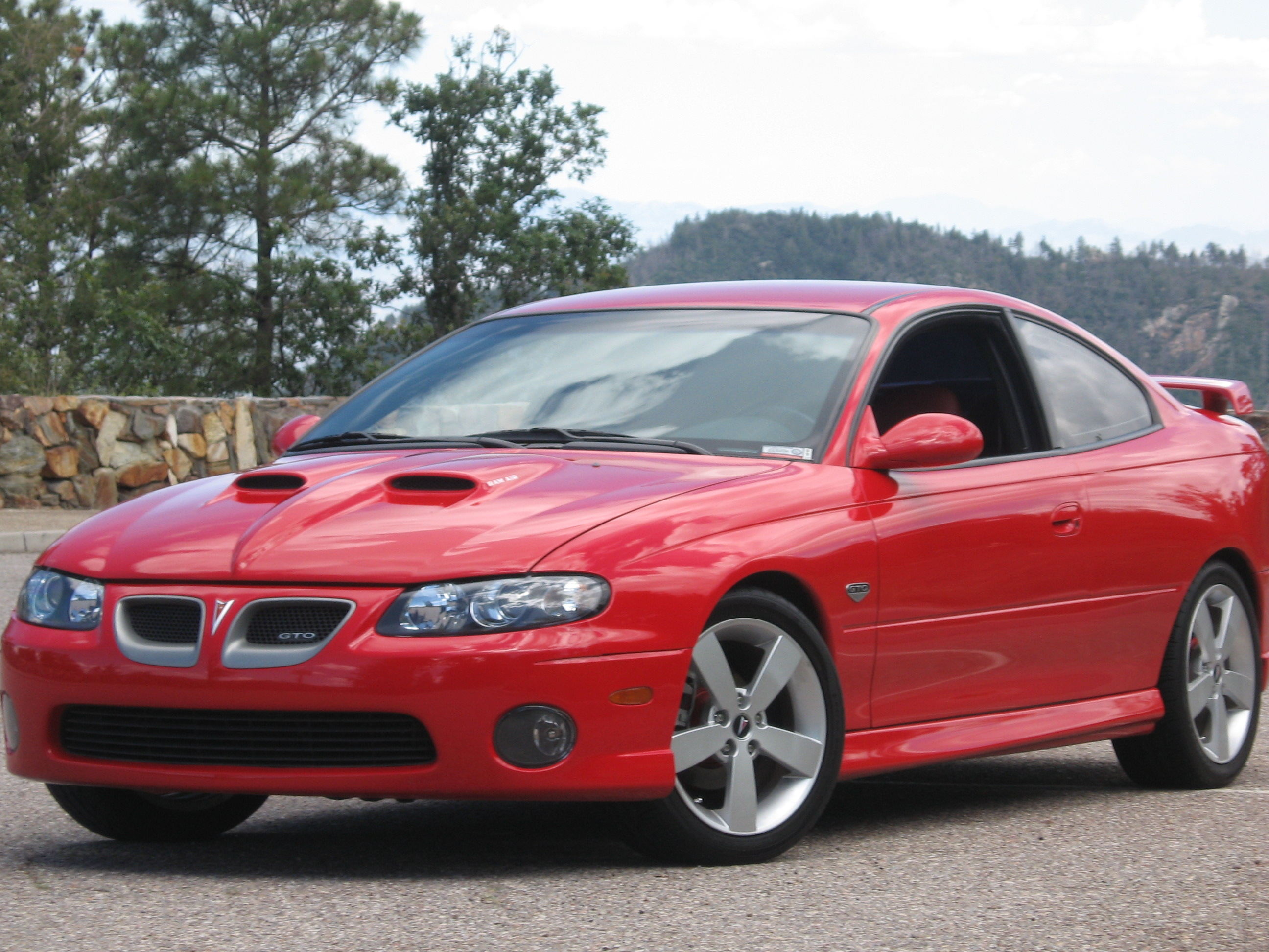 2004 pontiac gto information and photos zombiedrive. Black Bedroom Furniture Sets. Home Design Ideas
