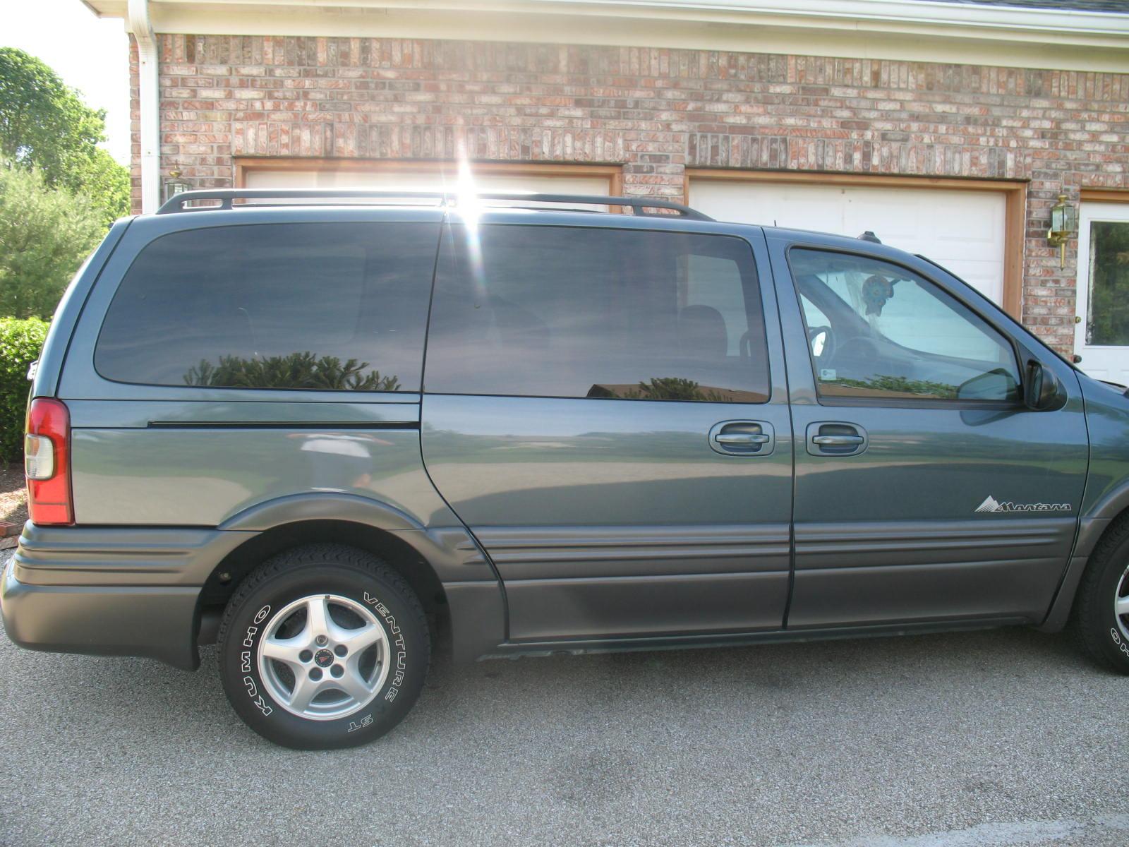 2004 Pontiac Montana 12