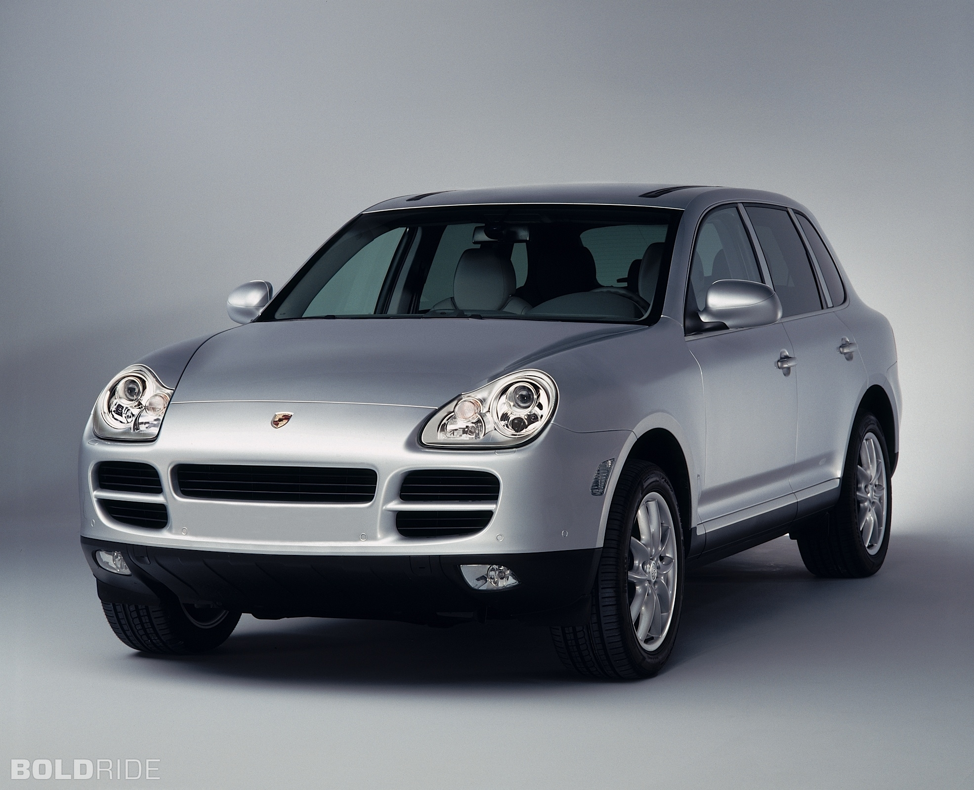 2004 porsche cayenne information and photos zombiedrive. Black Bedroom Furniture Sets. Home Design Ideas