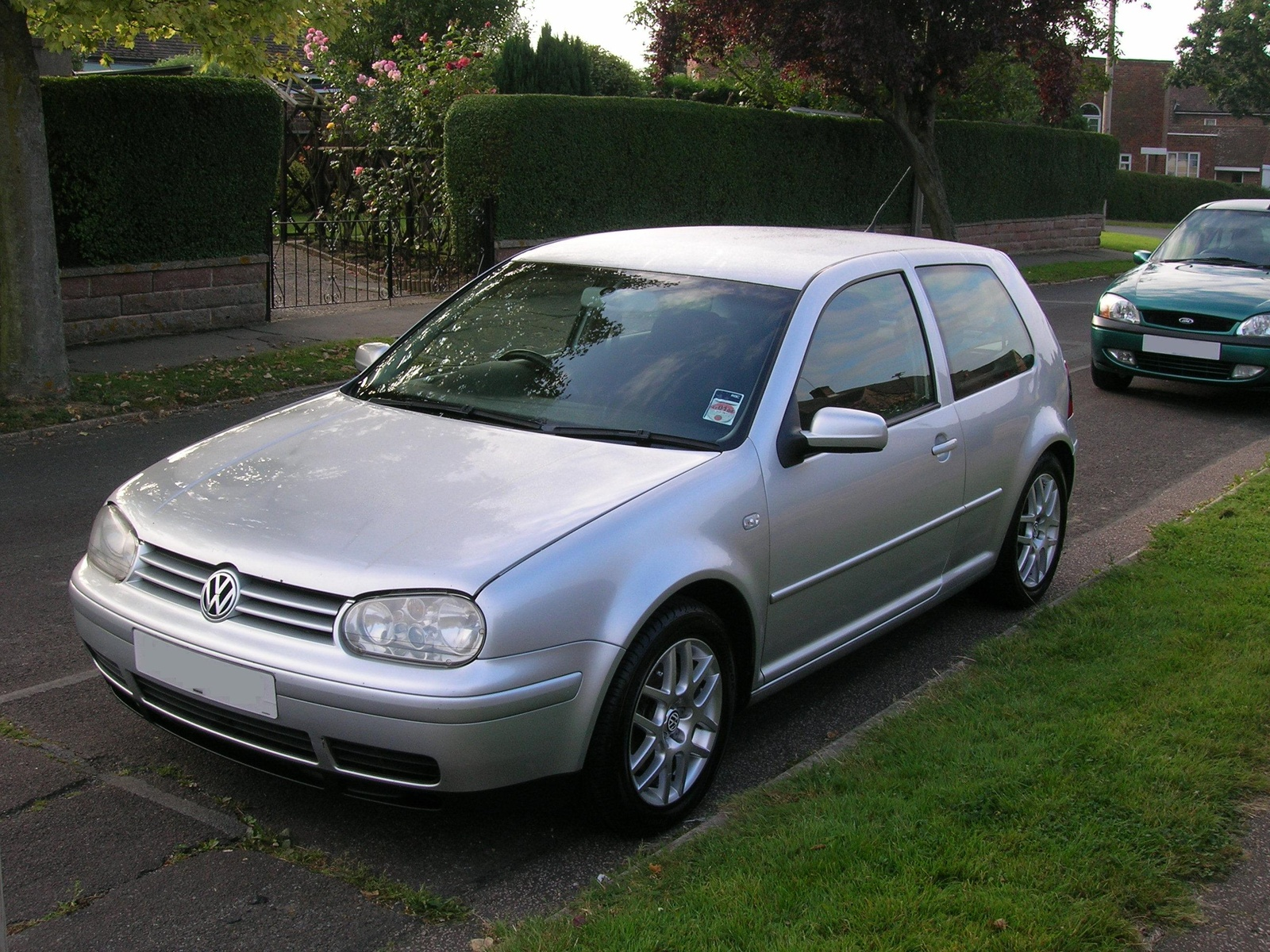 Volkswagen Gol model 8736 besides Volkswagen T Cross Breeze Concept Future Polo Suv Cabriolet En Direct Du Salon De Geneve 106996 together with 1088836 further Tuned Mk 4 Vw Golf R32 besides Volkswagen Golf Polo Phaeton Canyon. on future vw golf