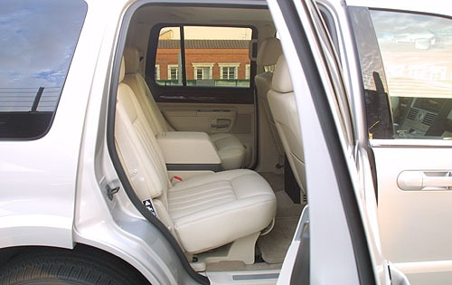 2004 Lincoln Aviator Rear interior #6