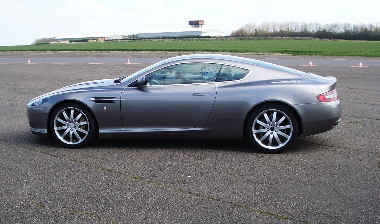 2005 Aston Martin Db9 Image 16