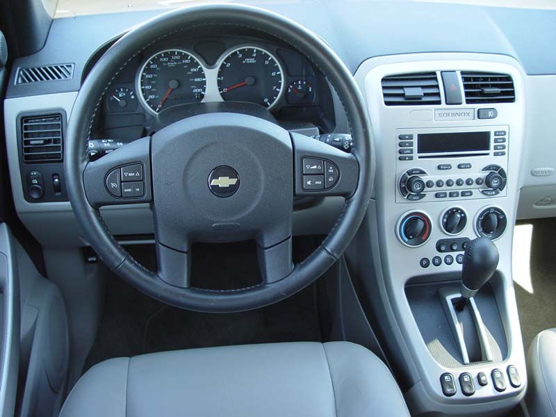 2005 chevrolet equinox information and photos zombiedrive for 2005 chevy equinox interior