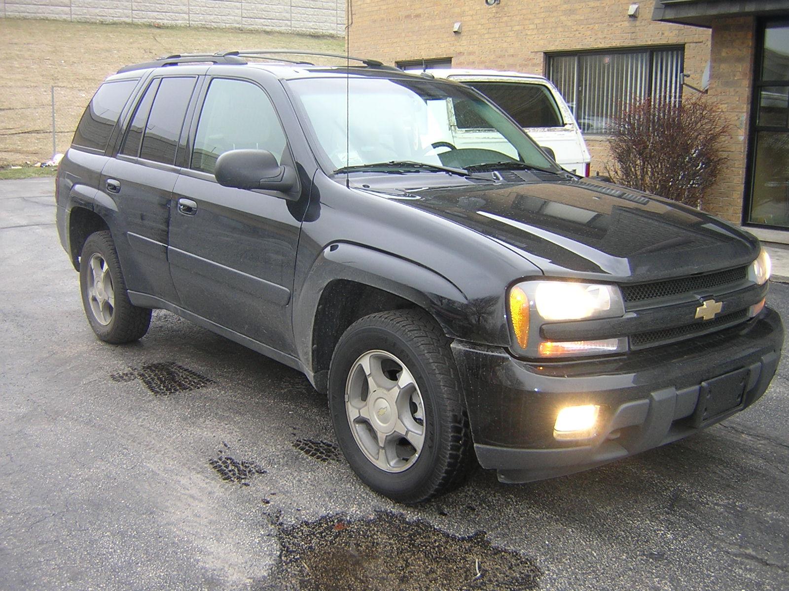 22278089 in addition Trailblazer likewise Watch also Chevrolet Trailblazer 2007 further 599150. on 2004 chevy trailblazer
