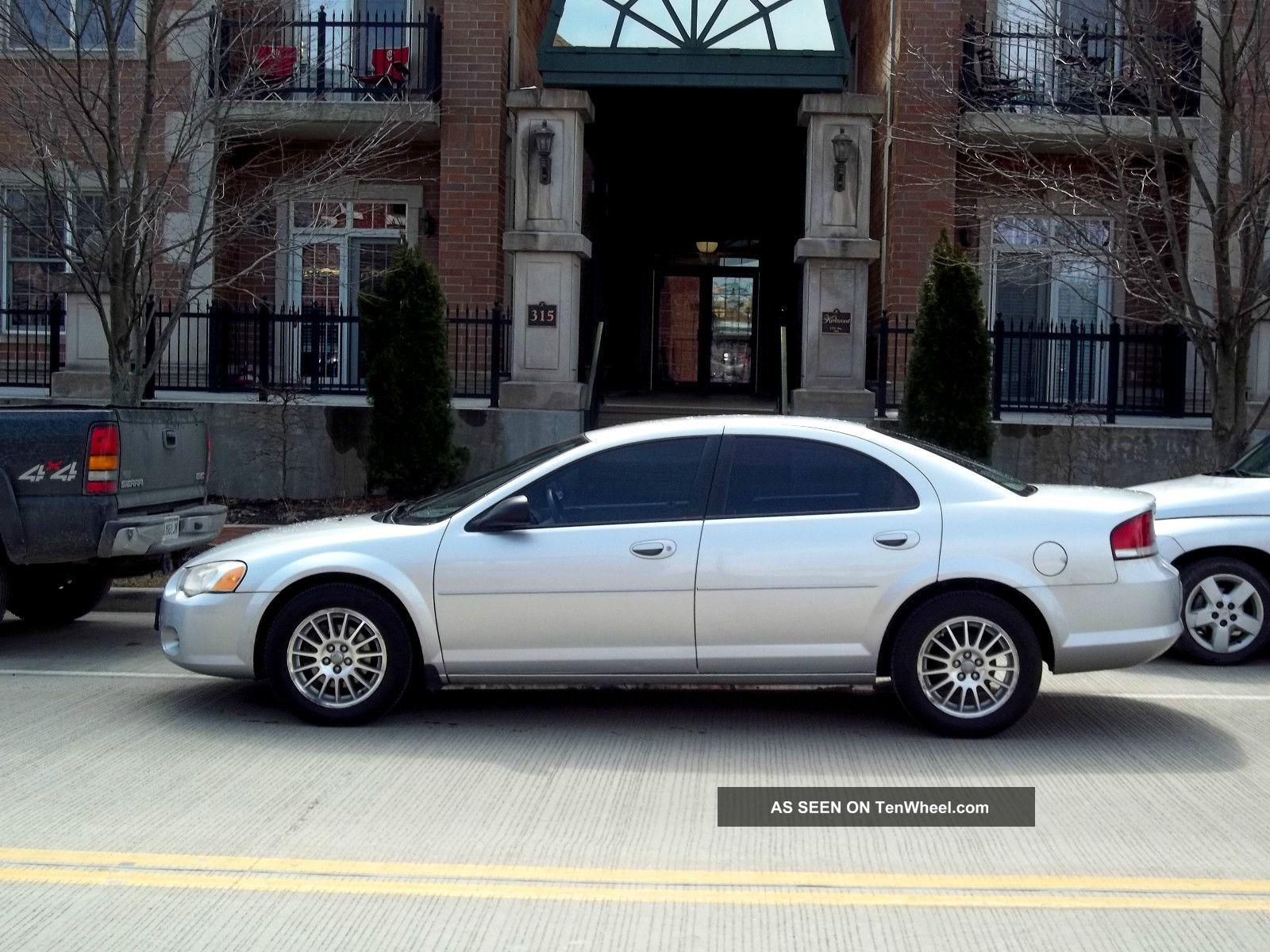 2005 sebring chrysler car