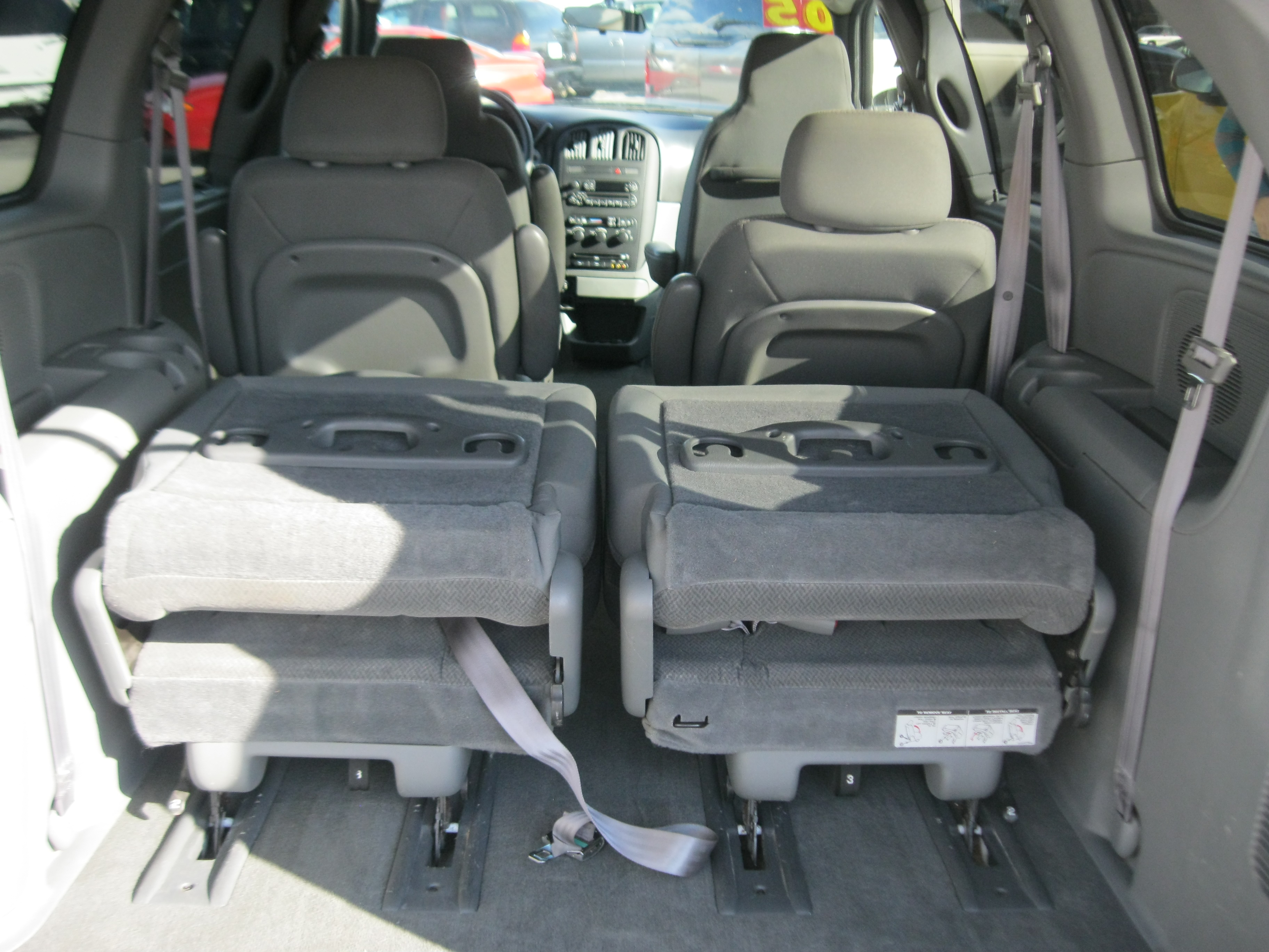 2005 Dodge Caravan  Information and photos  ZombieDrive