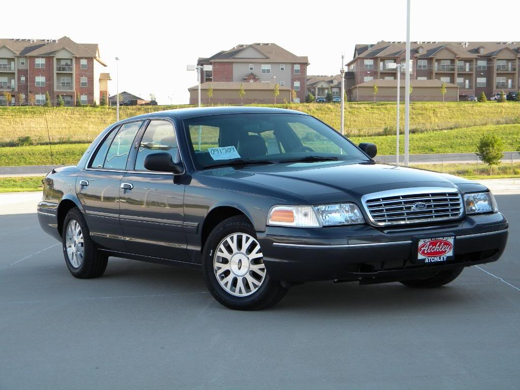 Ford Crown Victoria #9