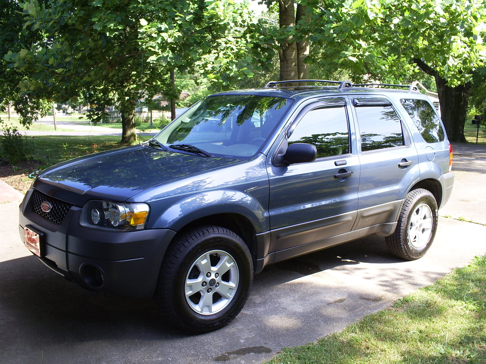 2005 ford escape image 10