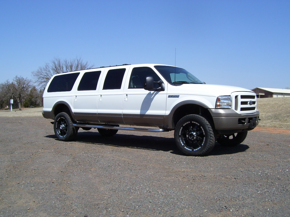 2005 ford excursion image 11