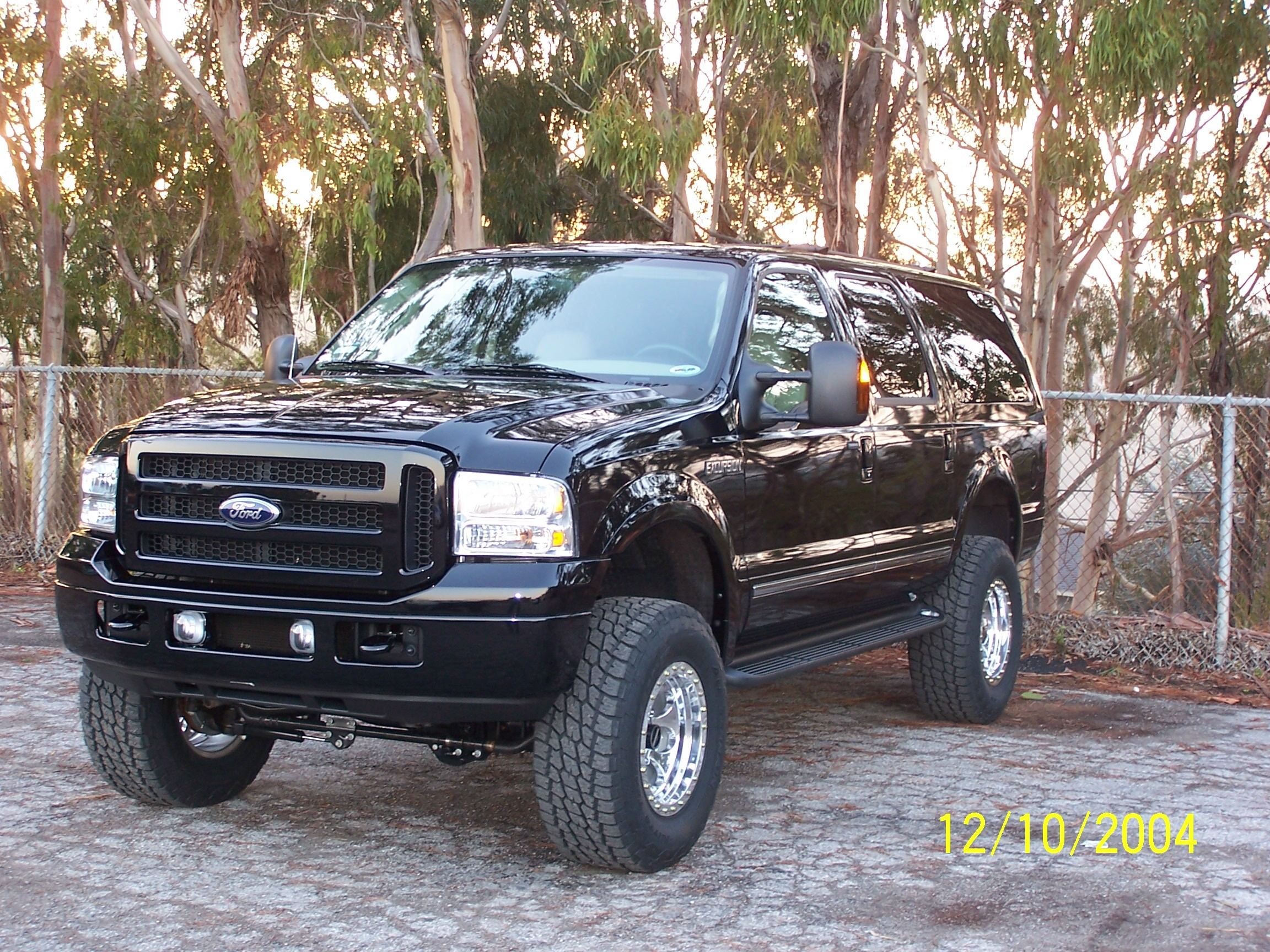 2005 Ford Excursion Image 12