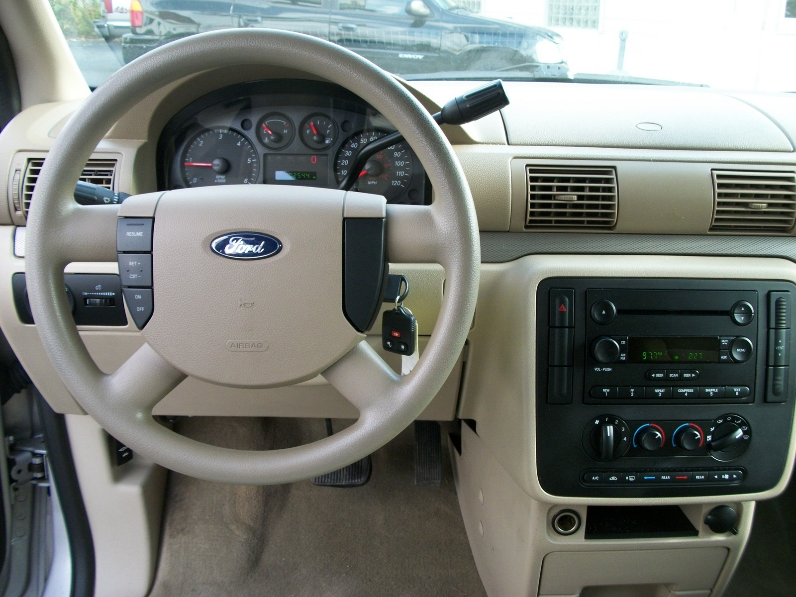 2005 Ford Freestar Image 3