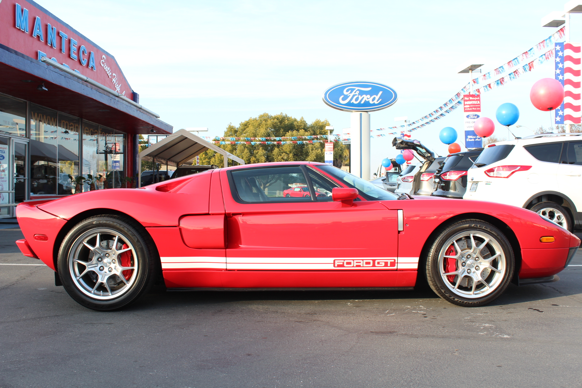 Ford GT #12