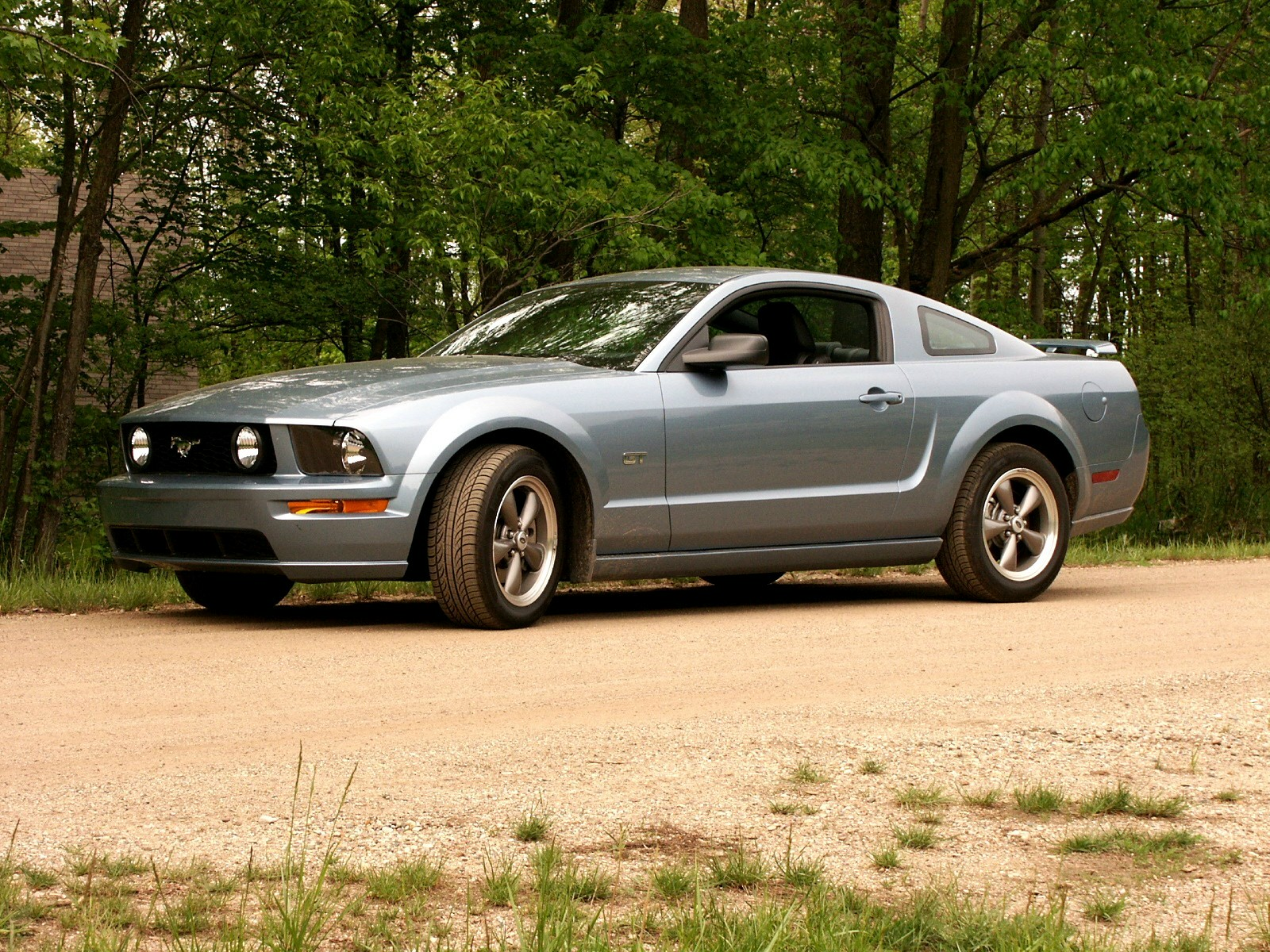 2005 ford mustang 16 ford mustang 16