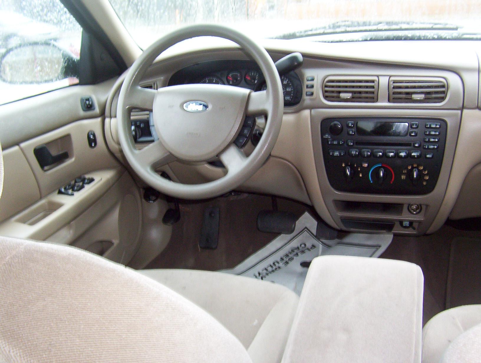 2005 Ford Taurus Image 10