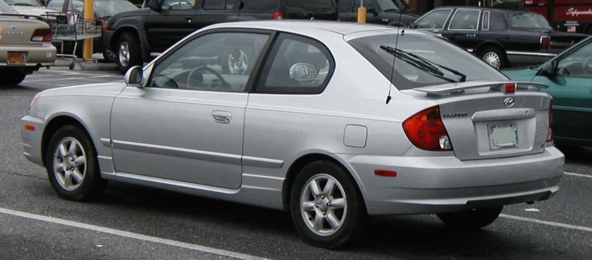 2005 Hyundai Accent Image 9