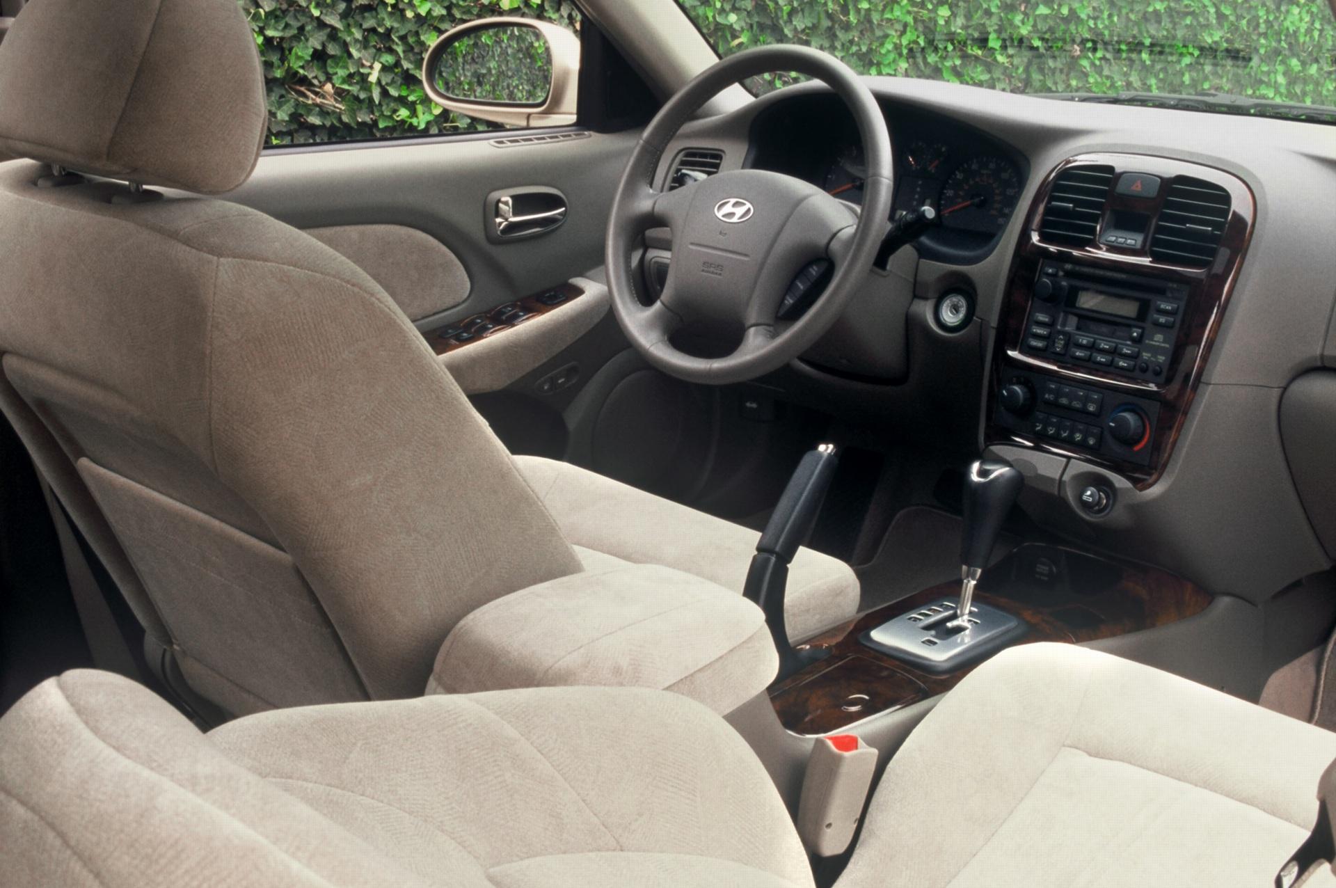 2005 Hyundai Sonata Image 13