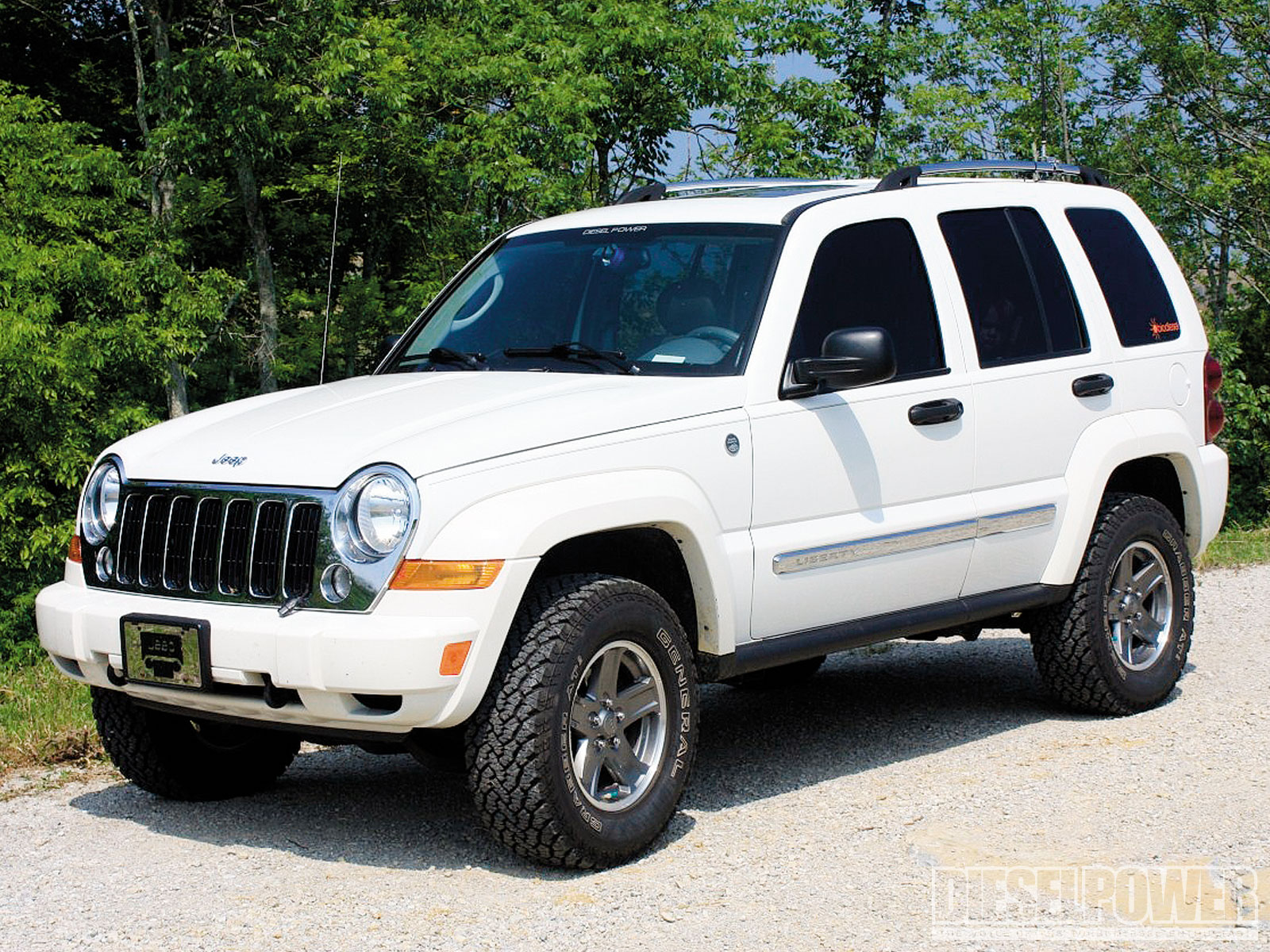 2005 jeep liberty white 200 interior and exterior images. Black Bedroom Furniture Sets. Home Design Ideas