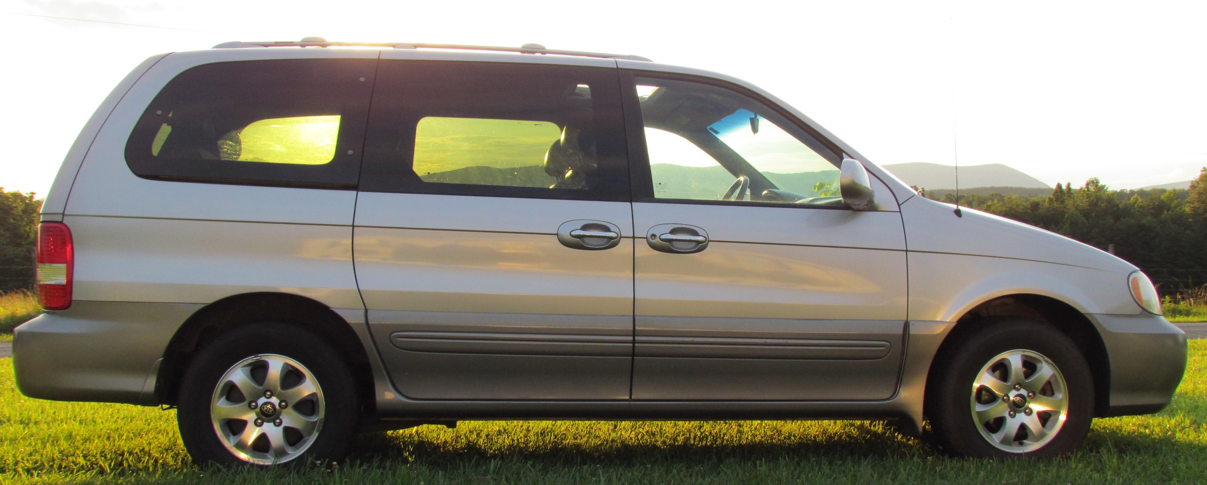 2005 Kia Sedona Image 23