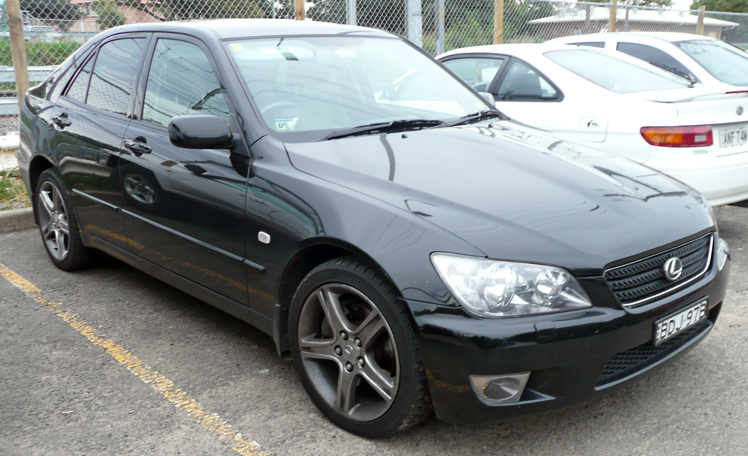 2005 lexus is 300 - information and photos - zombiedrive