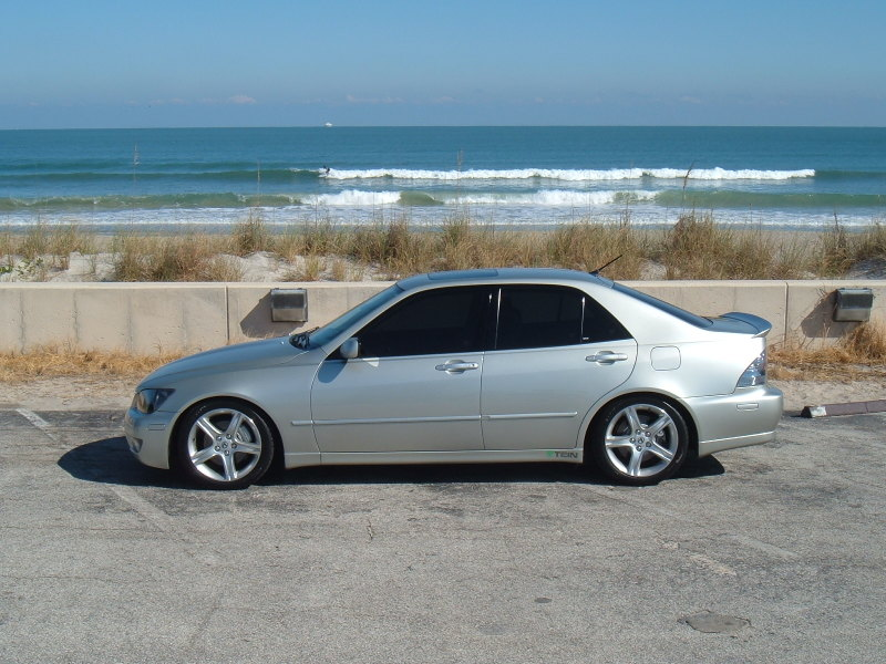 2005 LEXUS IS 300   Image #22