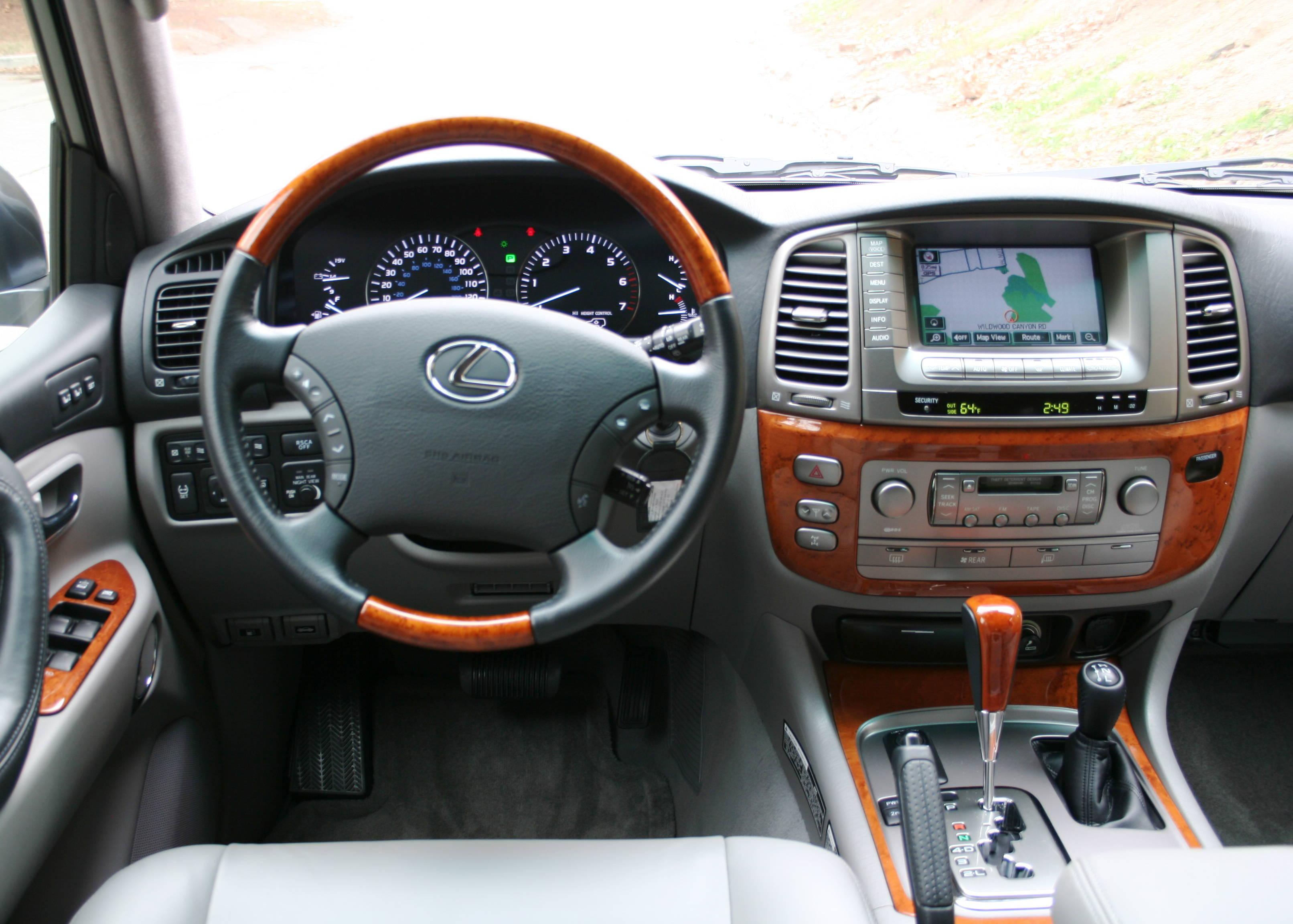 2005 lexus lx 470 18 lexus lx 470 18