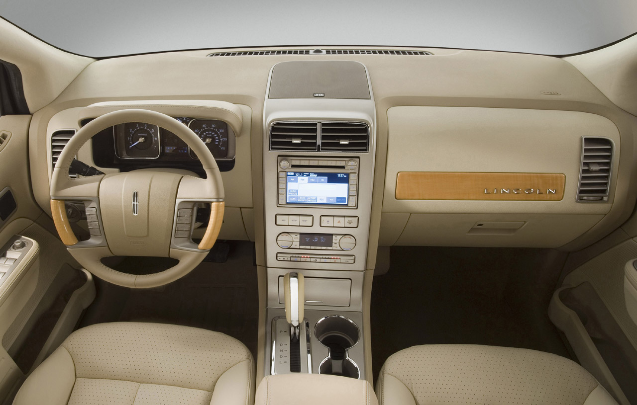 Lincoln Aviator #20